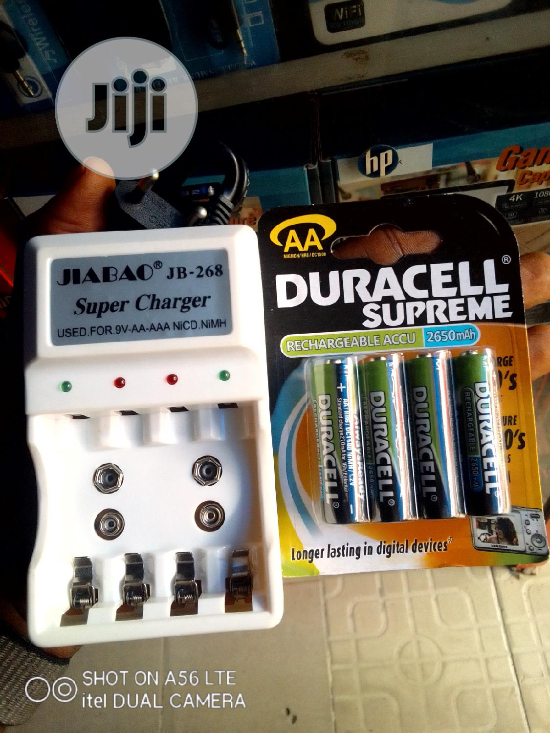 AA Duracell Rechargeable Battery + Charger
