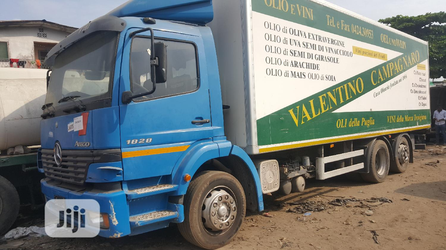 New Arrival 18 28 Mercedes Benz Eight Tyres Container Truck | Trucks & Trailers for sale in Apapa, Lagos State, Nigeria