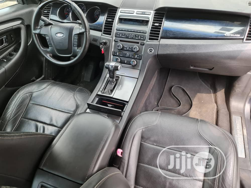 Archive: Ford Taurus 2013 SE Gray