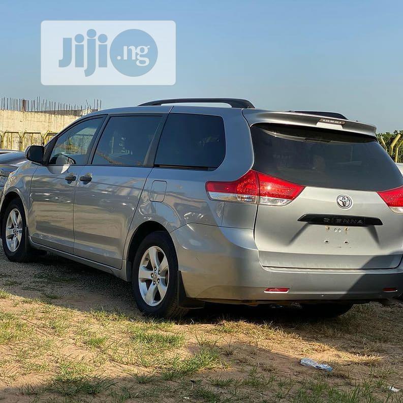Toyota Sienna 2011 Gray | Cars for sale in Gwarinpa, Abuja (FCT) State, Nigeria