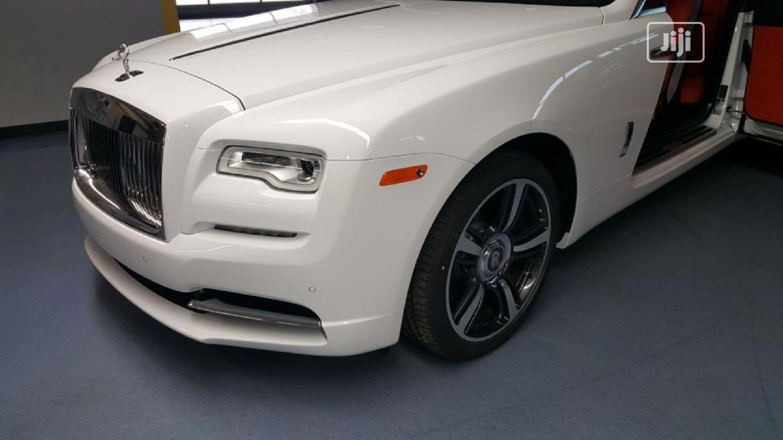 Archive: Rolls-Royce Ghost 2018 Base EWB White