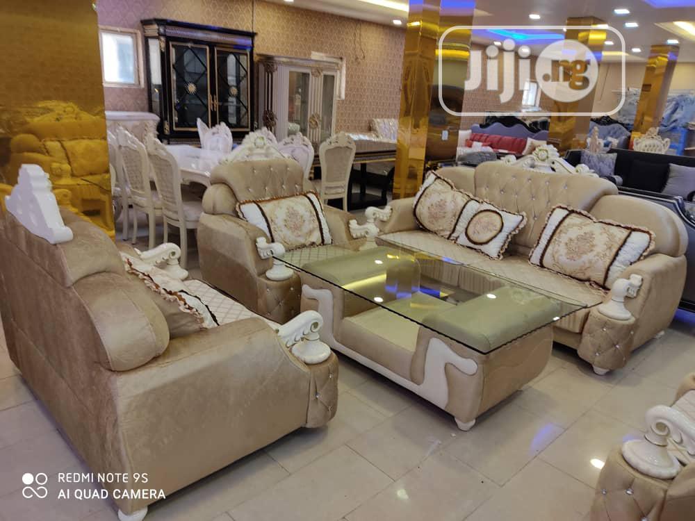 Archive: Classic Royal Sofa 3+2+1+1=7setters