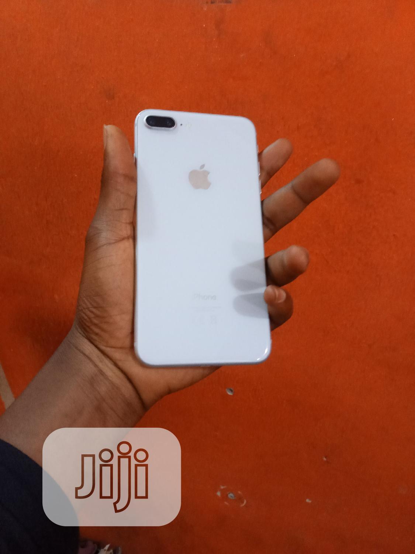 Apple iPhone 8 Plus 64 GB White