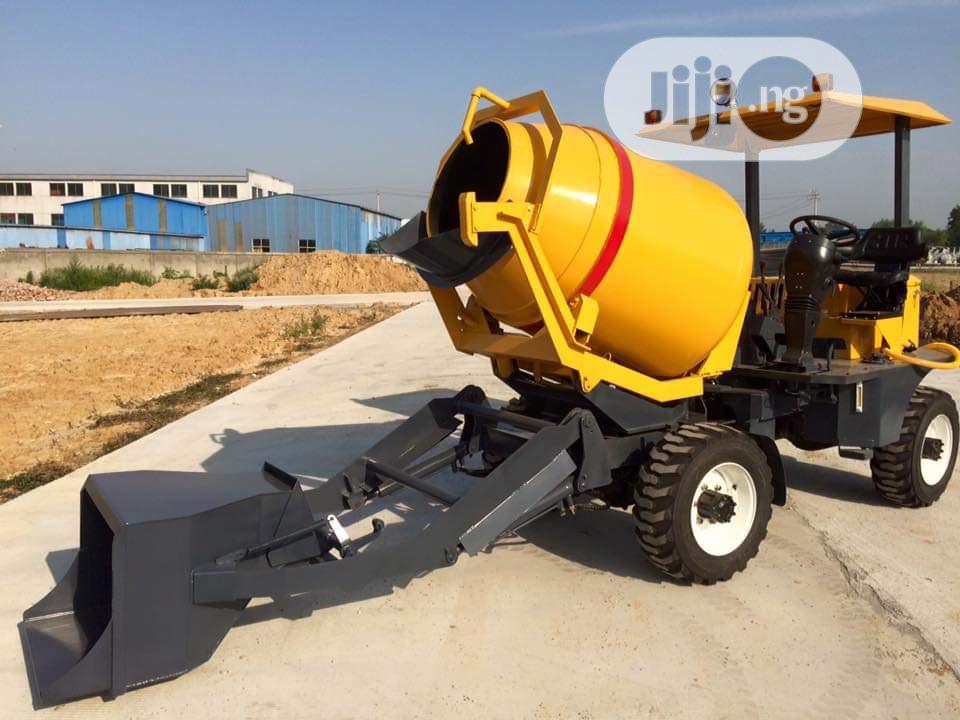 Mobile Concrete Mixer 1000 Litres