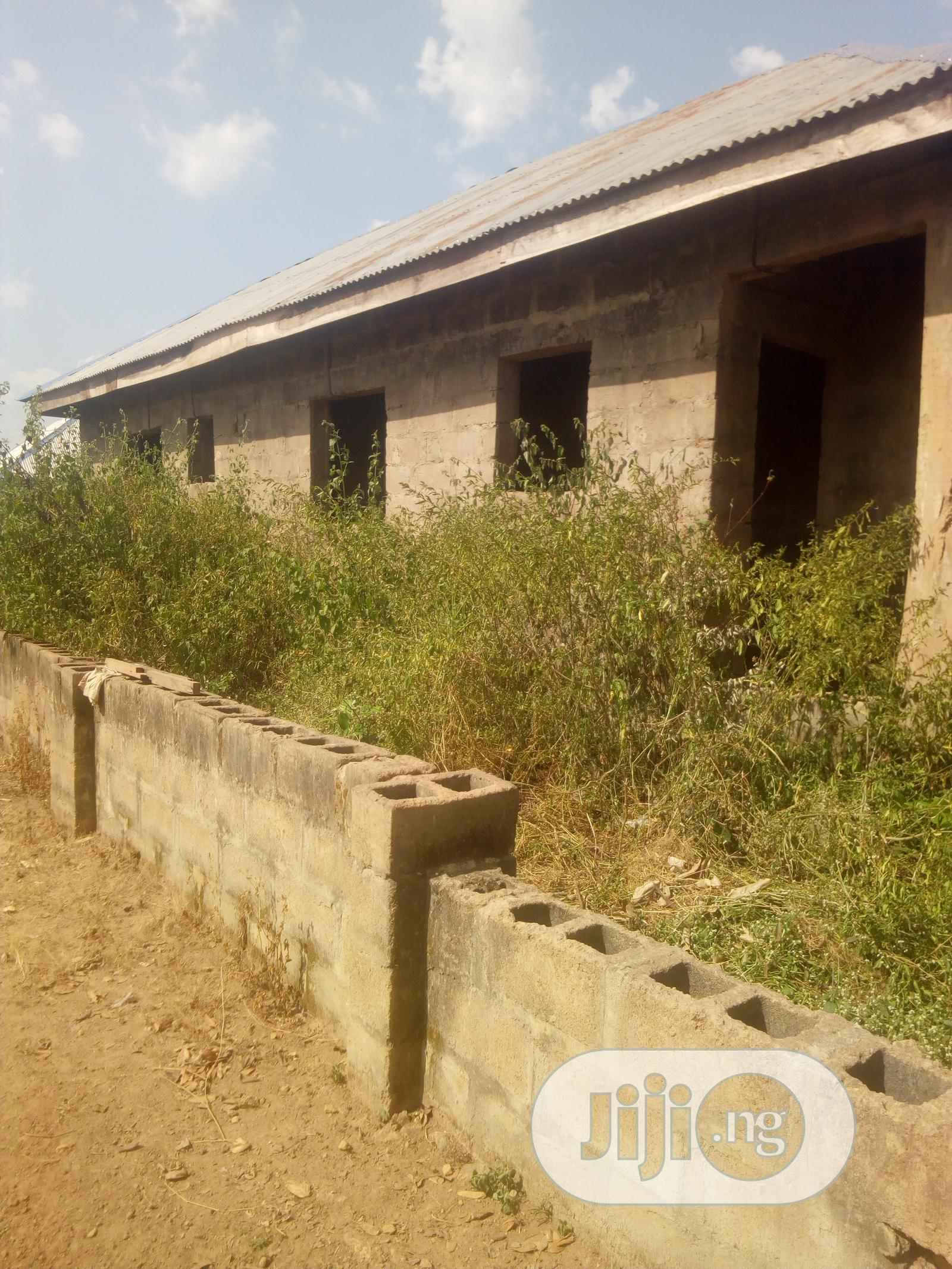 3 Bedroom Flat With A Study Room   Houses & Apartments For Sale for sale in Ojoo, Ibadan, Nigeria