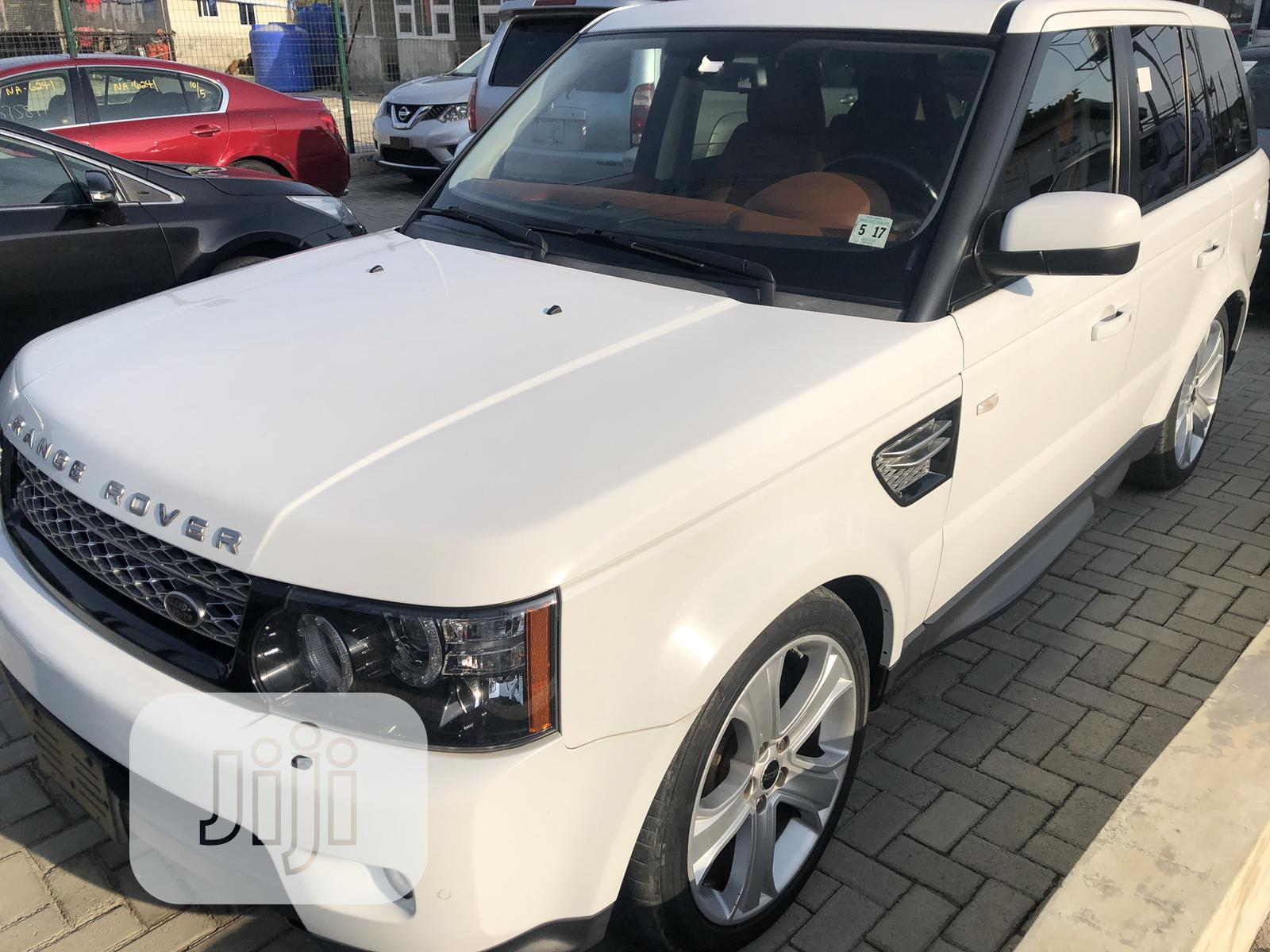 Land Rover Range Rover Sport 2012 HSE LUX White | Cars for sale in Benin City, Edo State, Nigeria