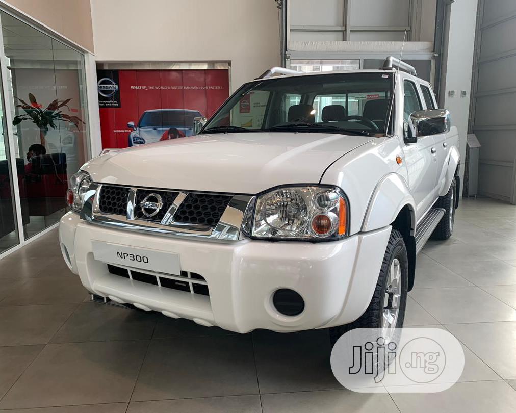 New Nissan NP300 2016 White
