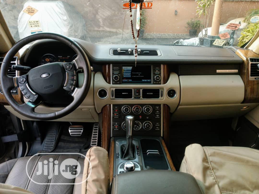Archive: Land Rover Range Rover Sport 2012 Gold