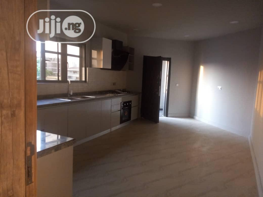 Beautifully Built 3 Bedroom Flat For Sale In Victoria Island | Houses & Apartments For Sale for sale in Victoria Island, Lagos State, Nigeria