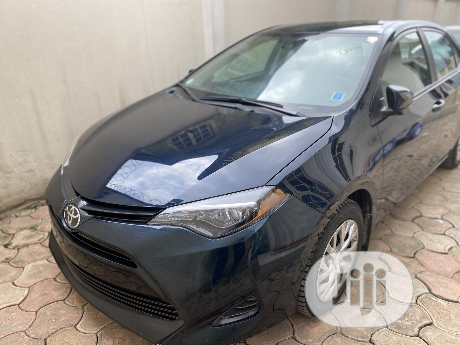 Archive: Toyota Corolla 2019 LE (1.8L 4cyl 2A) Blue
