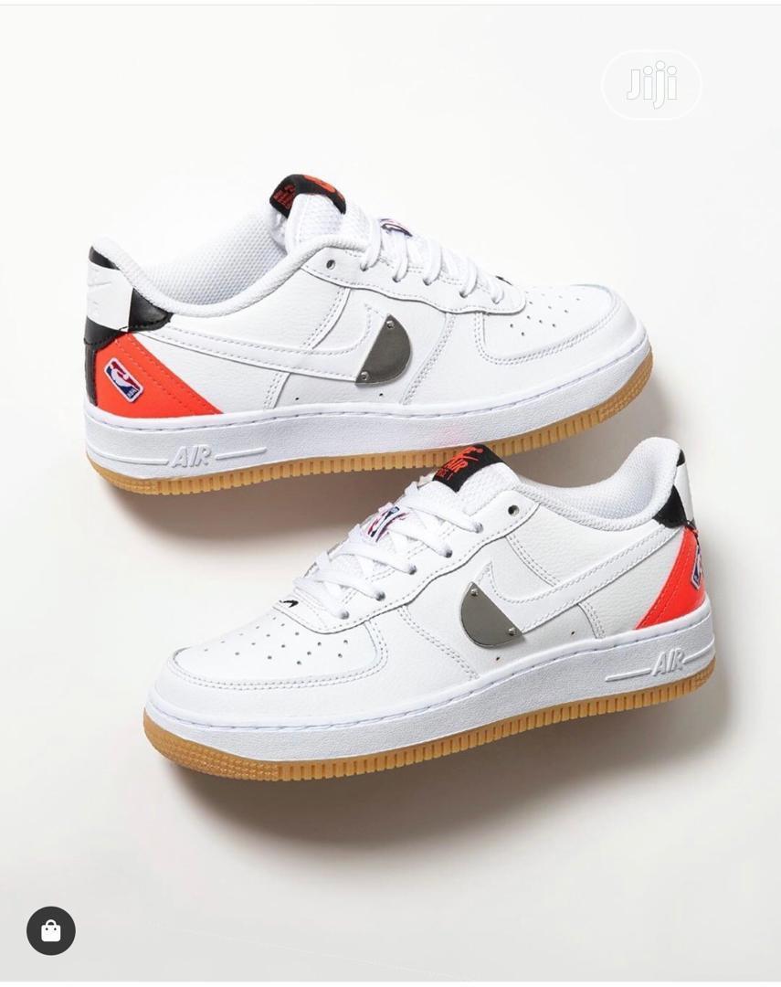 NBA X NIKE Air Force 1 Low Sneaker in White