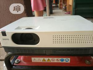 Very Sharp And Protable Sanyo Projector For Sale | TV & DVD Equipment for sale in Abuja (FCT) State, Karu