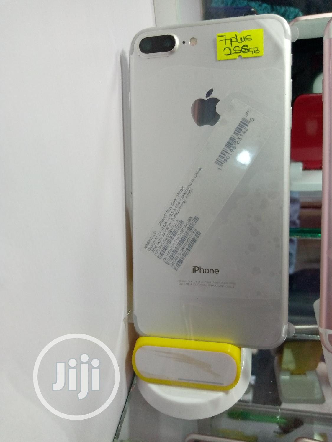 Archive: Apple iPhone 7 Plus 128 GB Gold
