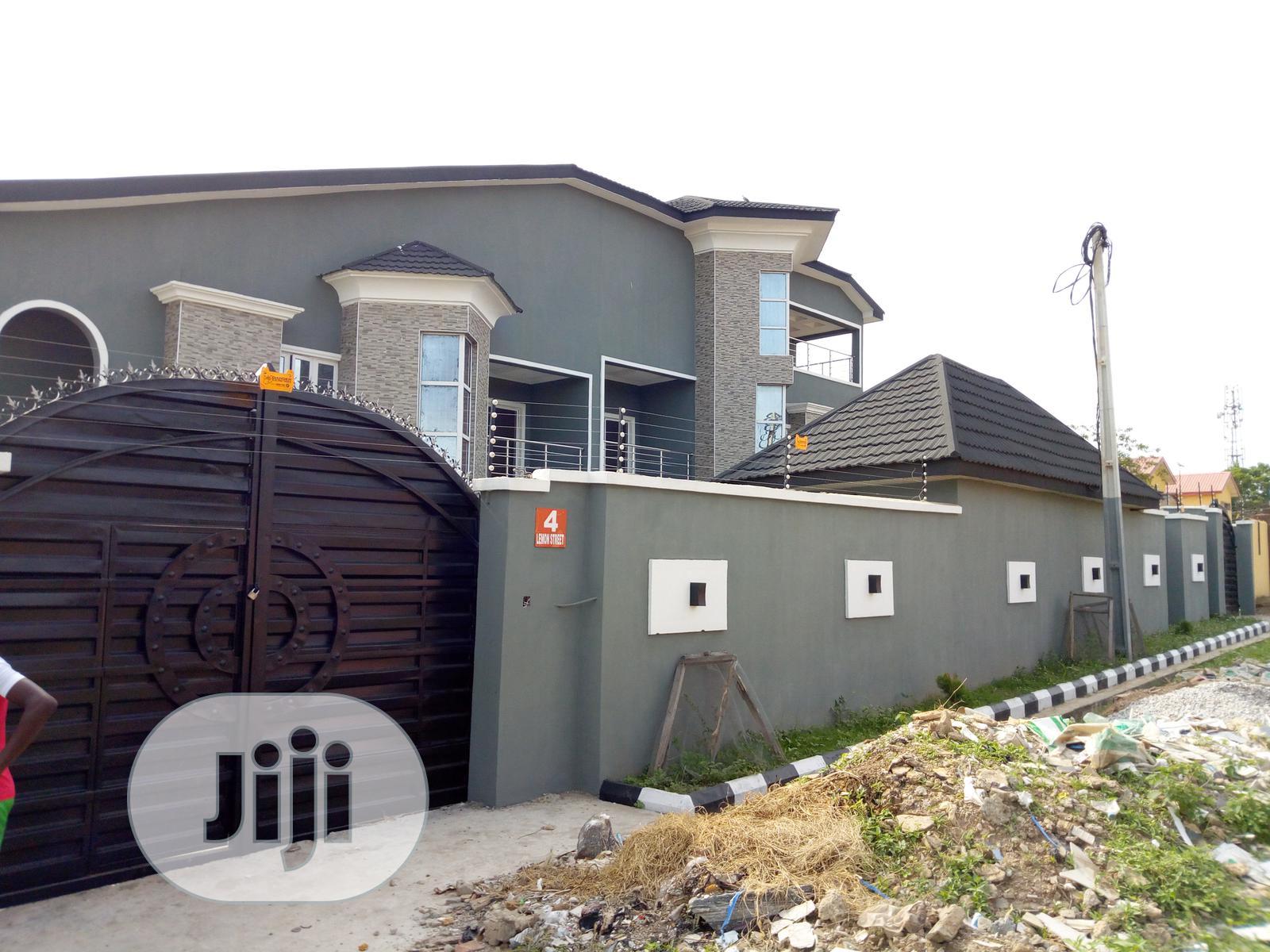 6 Bedrooms Duplex for Sale in Alalubosa, Ibadan