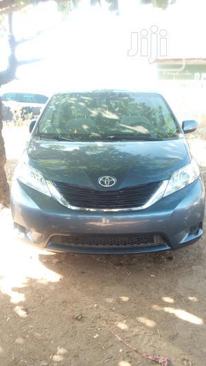 Toyota Sienna 2013 XLE FWD 8-Passenger Gray | Cars for sale in Kaduna State, Kaduna / Kaduna State
