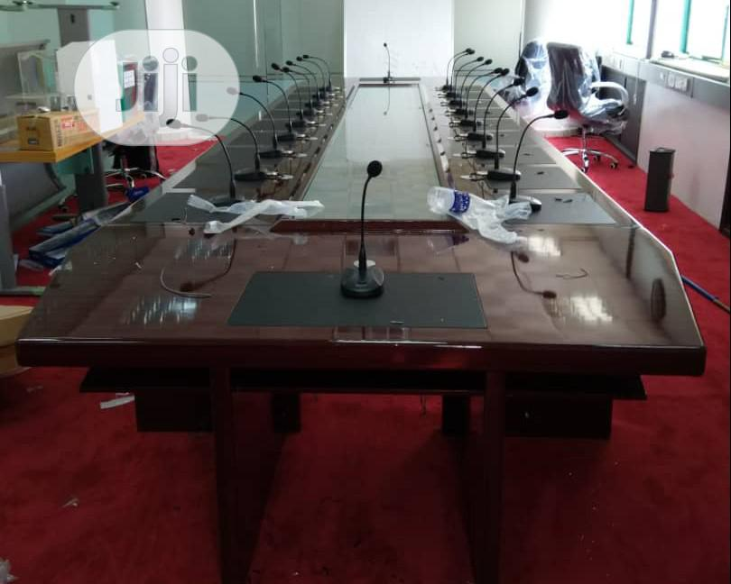 Archive: Conference Table 20 Sites