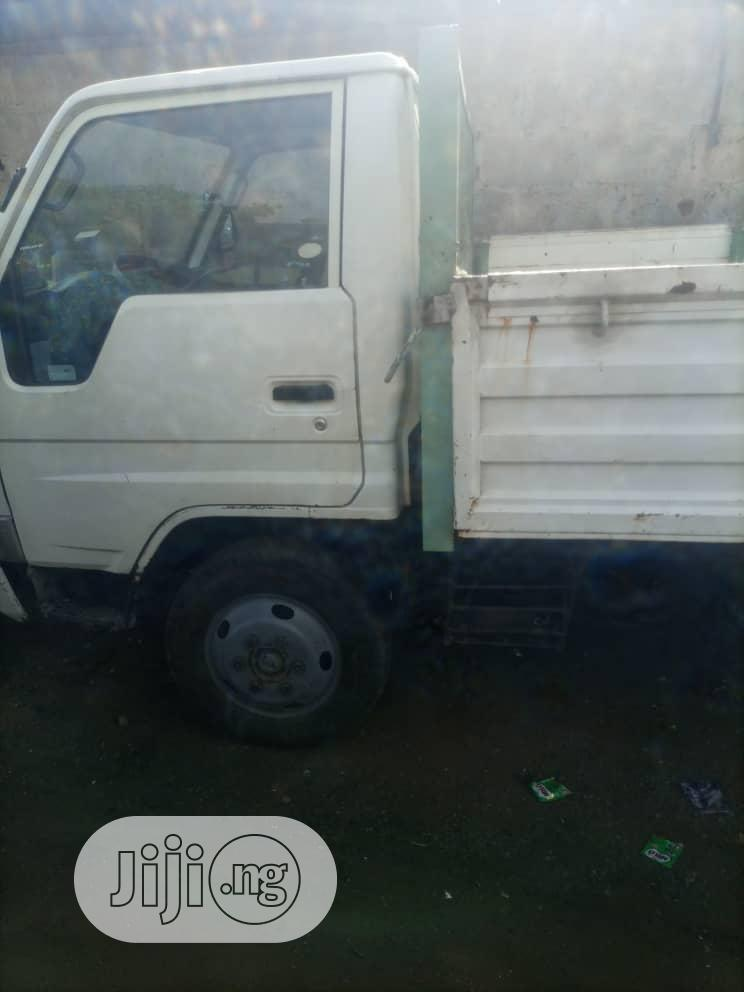 Archive: Toyota Dyna 2000 White