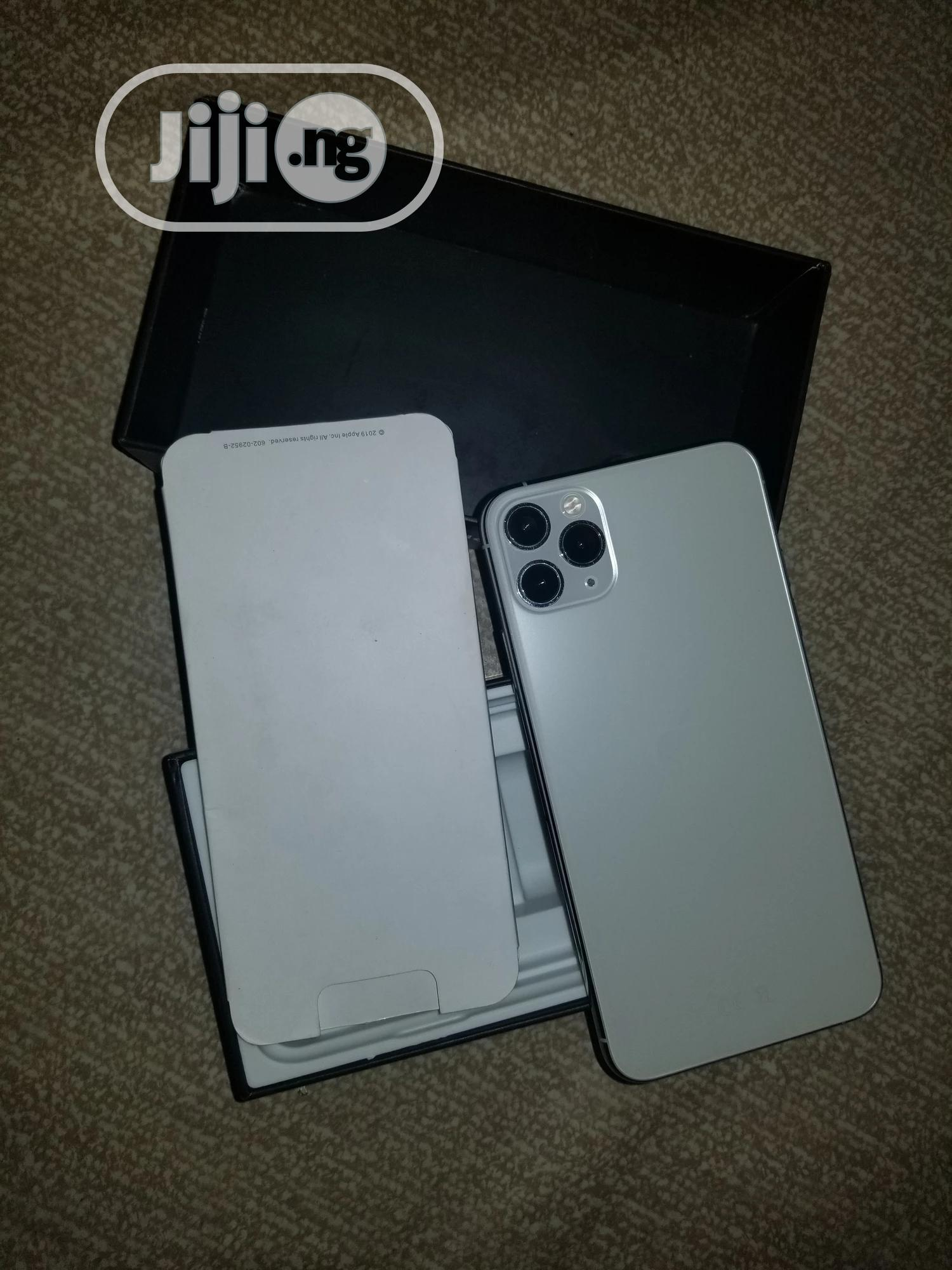 Archive: Apple iPhone 11 Pro Max 64 GB White