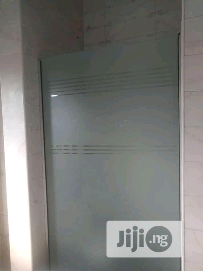 Shower Glass Cubicle Sandblased