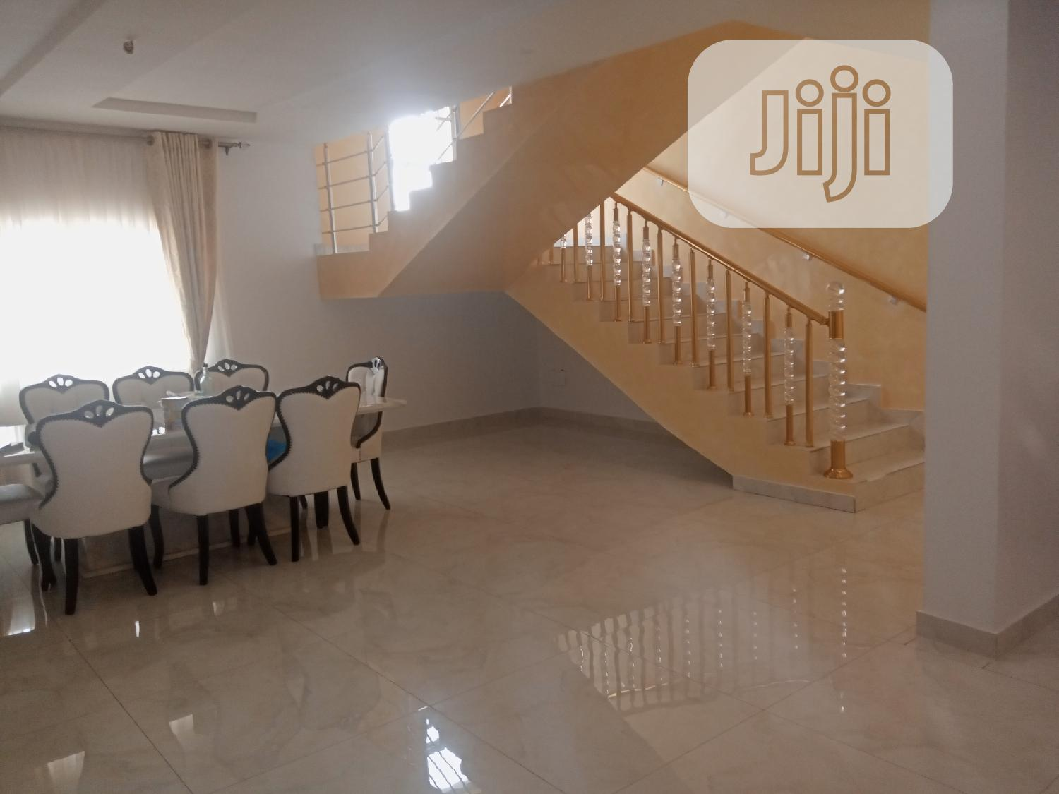 Archive: Luxury And Furnished 6 Bedroom Detached Duplex