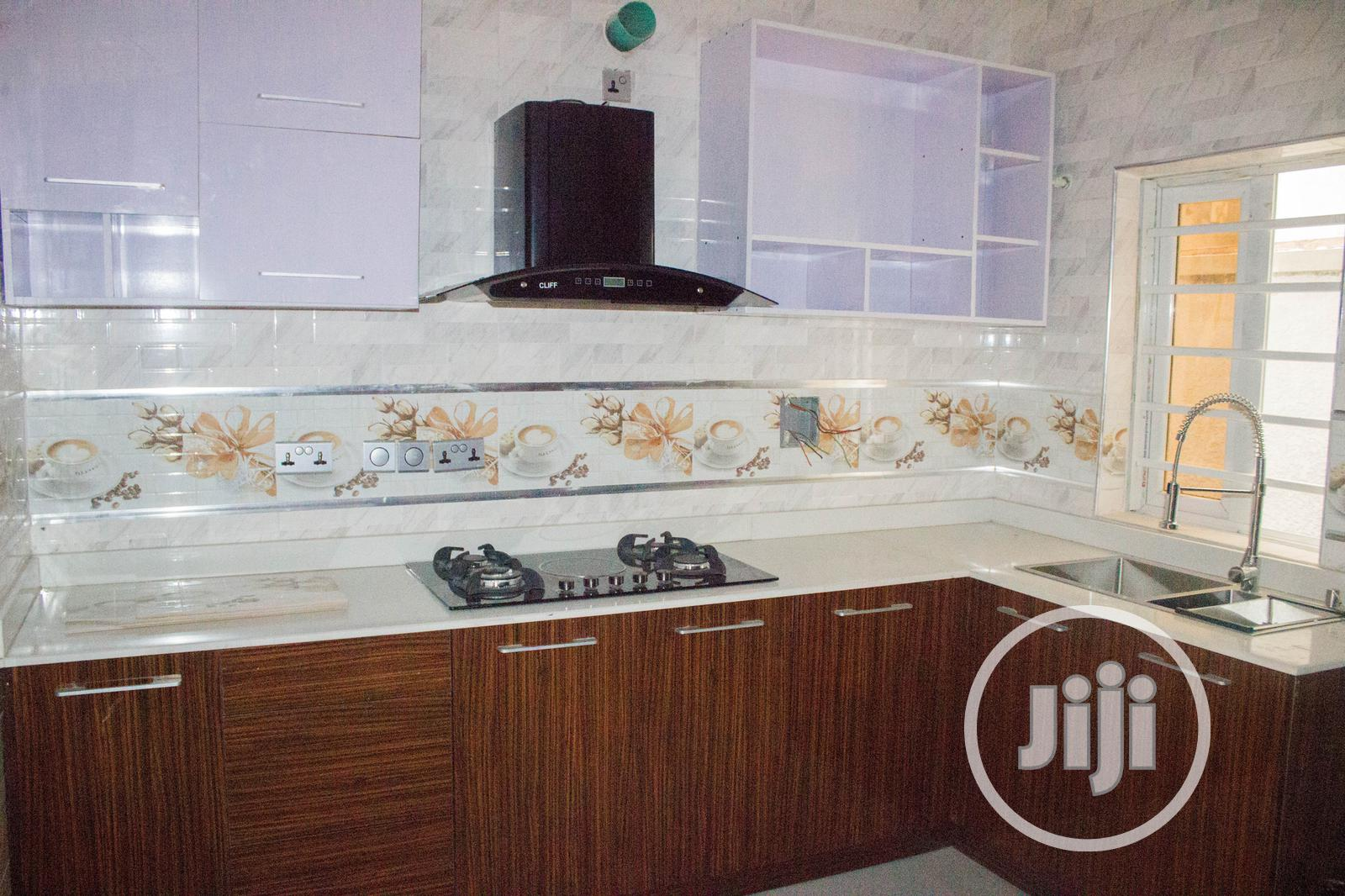 Archive: 5 Bedroom Detached Duplex With a Penthouse