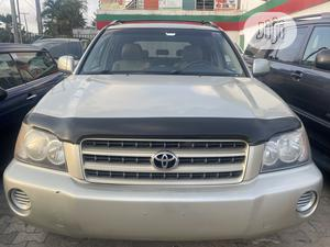 Toyota Highlander 2003 V6 FWD Gold | Cars for sale in Lagos State, Amuwo-Odofin