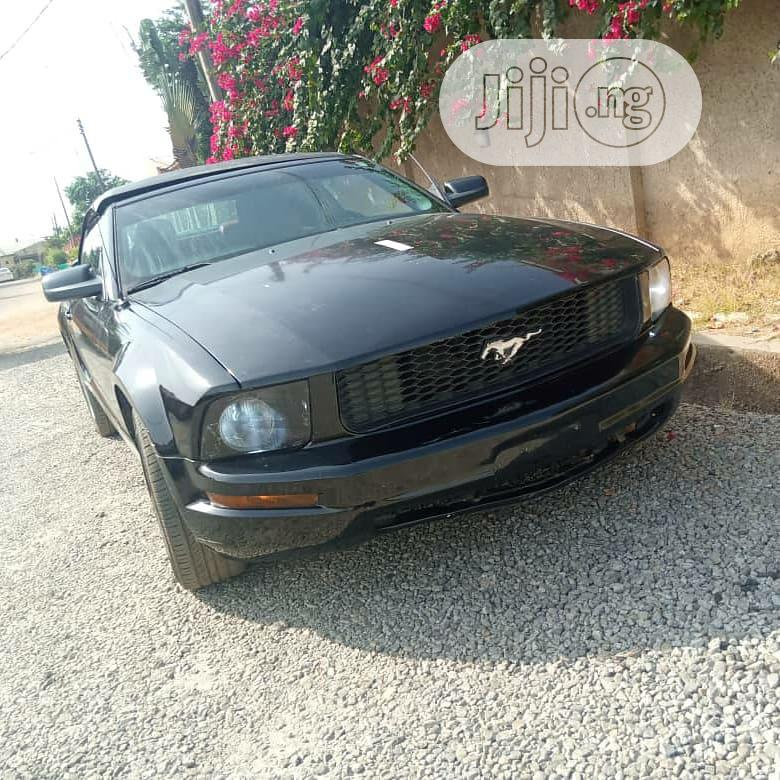 Archive: Ford Mustang 2007 Black