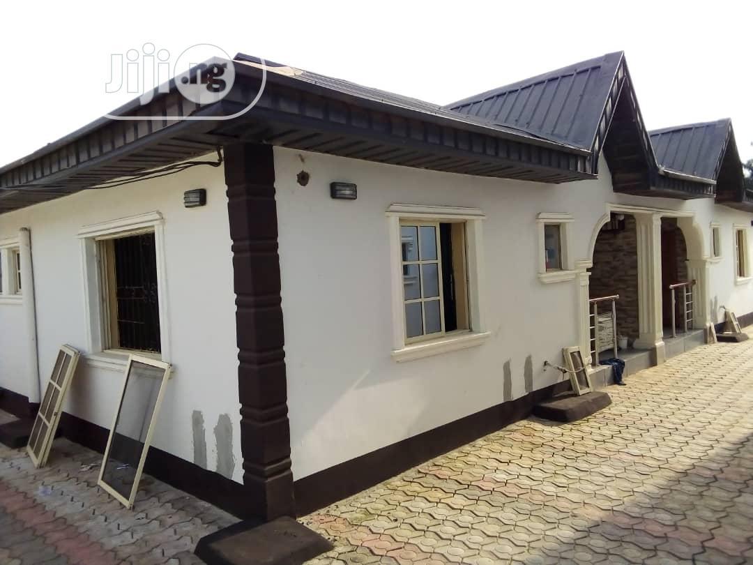 Lovely 2bed Room Flat At Eruwen Bustop Back Of Alabukun