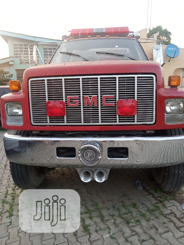 GMC Yukon 2009 Red