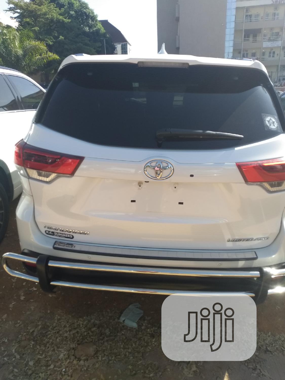 Toyota Highlander 2018 White | Cars for sale in Gwarinpa, Abuja (FCT) State, Nigeria