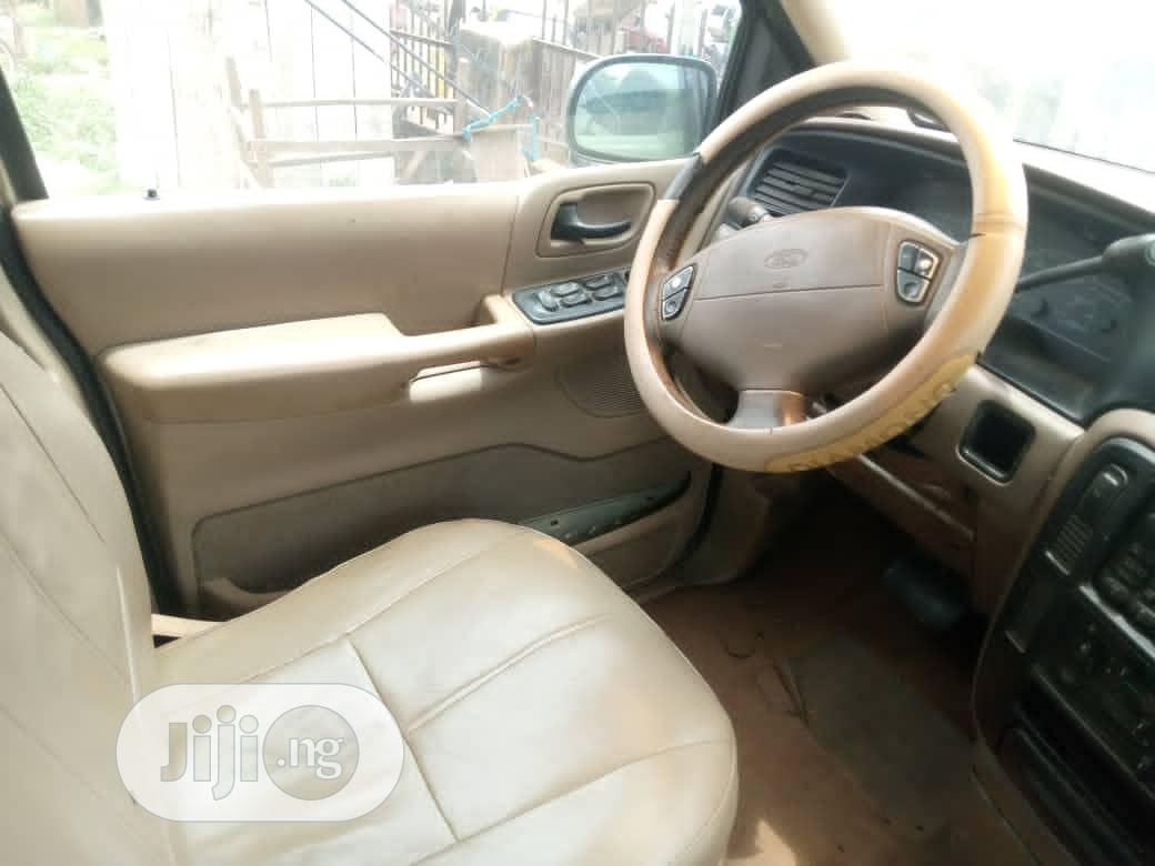 Archive: Ford Windstar 2003 3.8 Gold