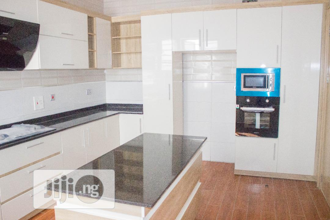 Archive: Luxurious 5 Bedroom Detached Duplex For Sale