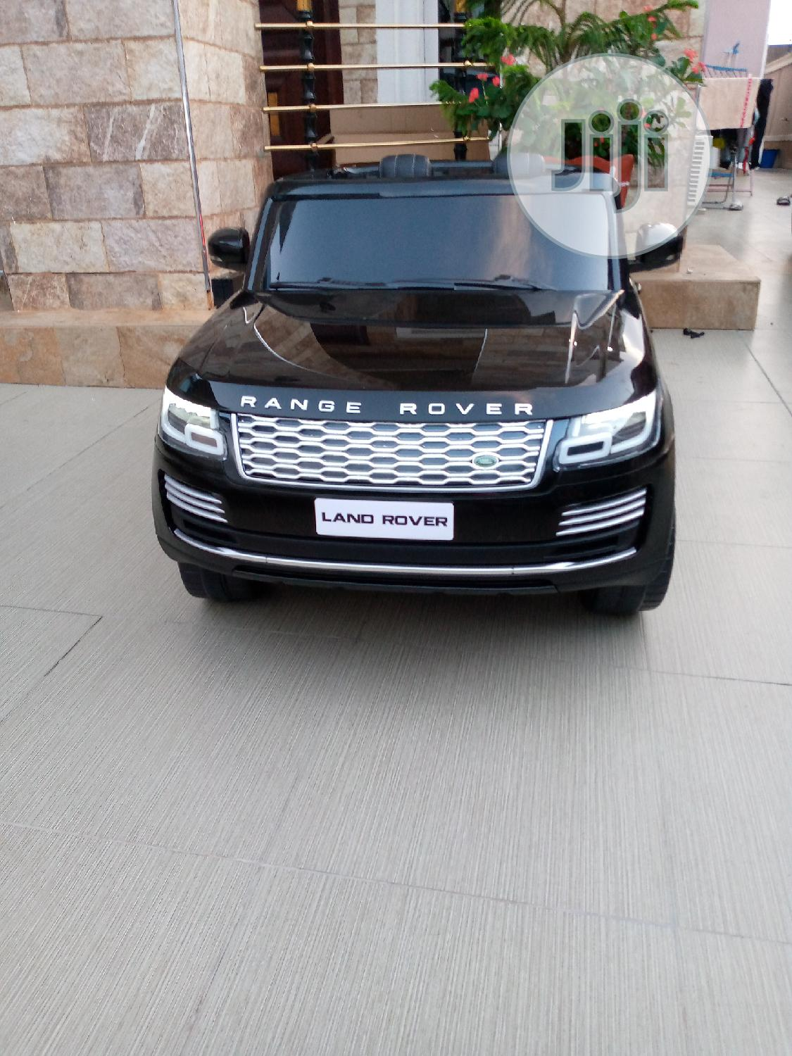 RANGE ROVER (Electric Toy Car)