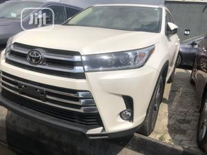Toyota Highlander 2017 XLE 4x4 V6 (3.5L 6cyl 8A) White   Cars for sale in Lagos State, Amuwo-Odofin
