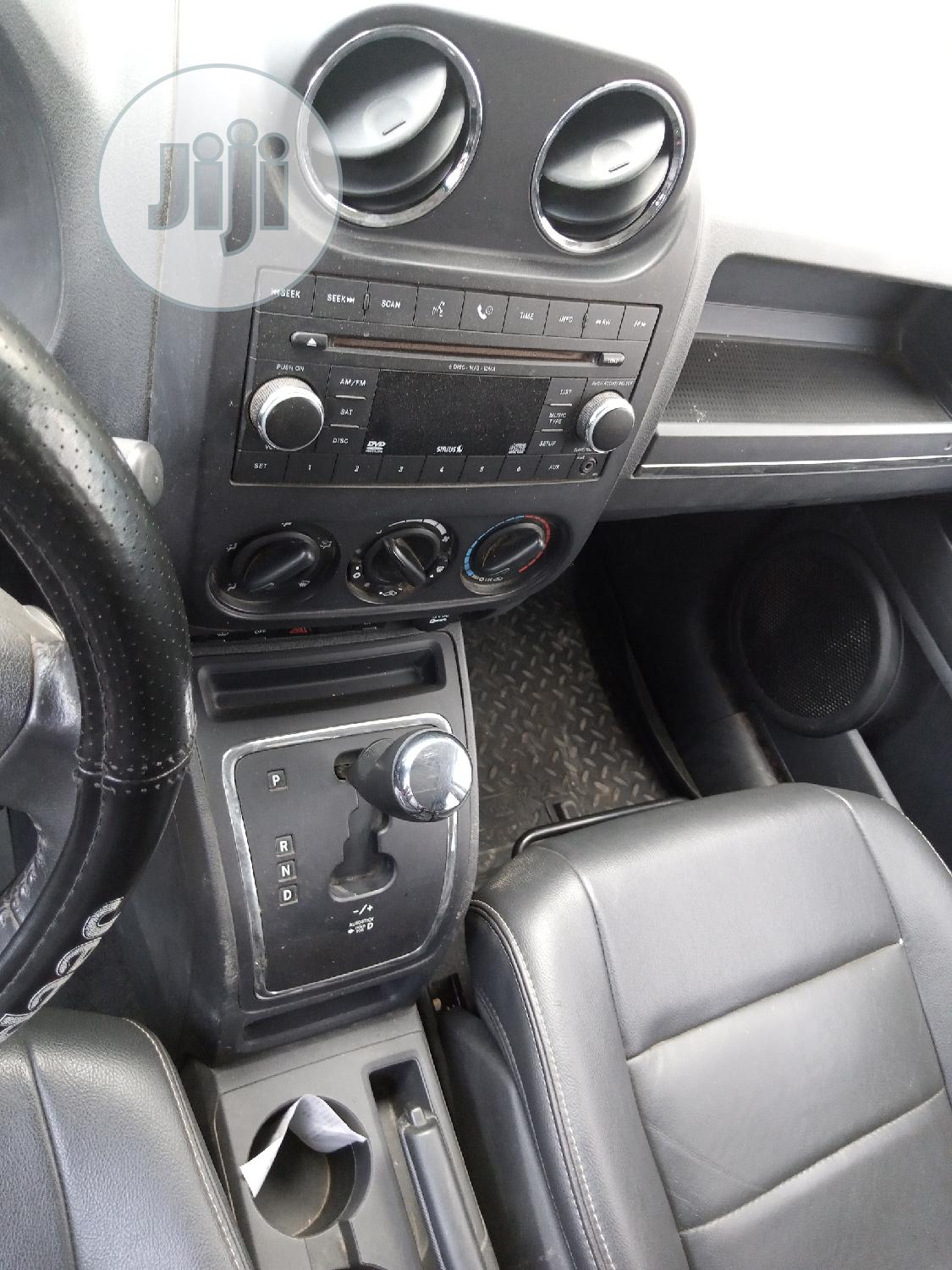 Jeep Compass 2009 Silver | Cars for sale in Ojodu, Lagos State, Nigeria
