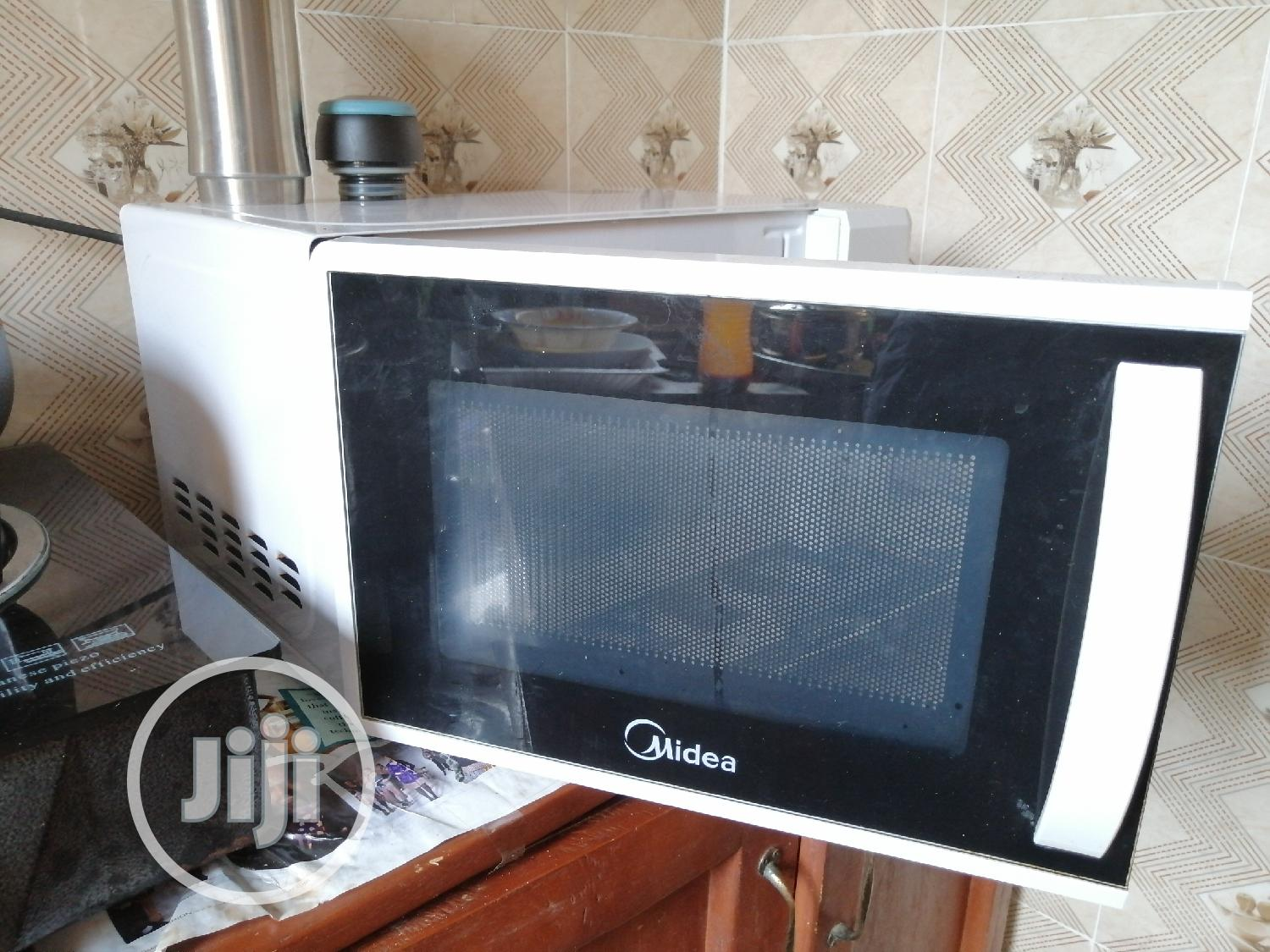 Archive: Midea Microwave With Grill