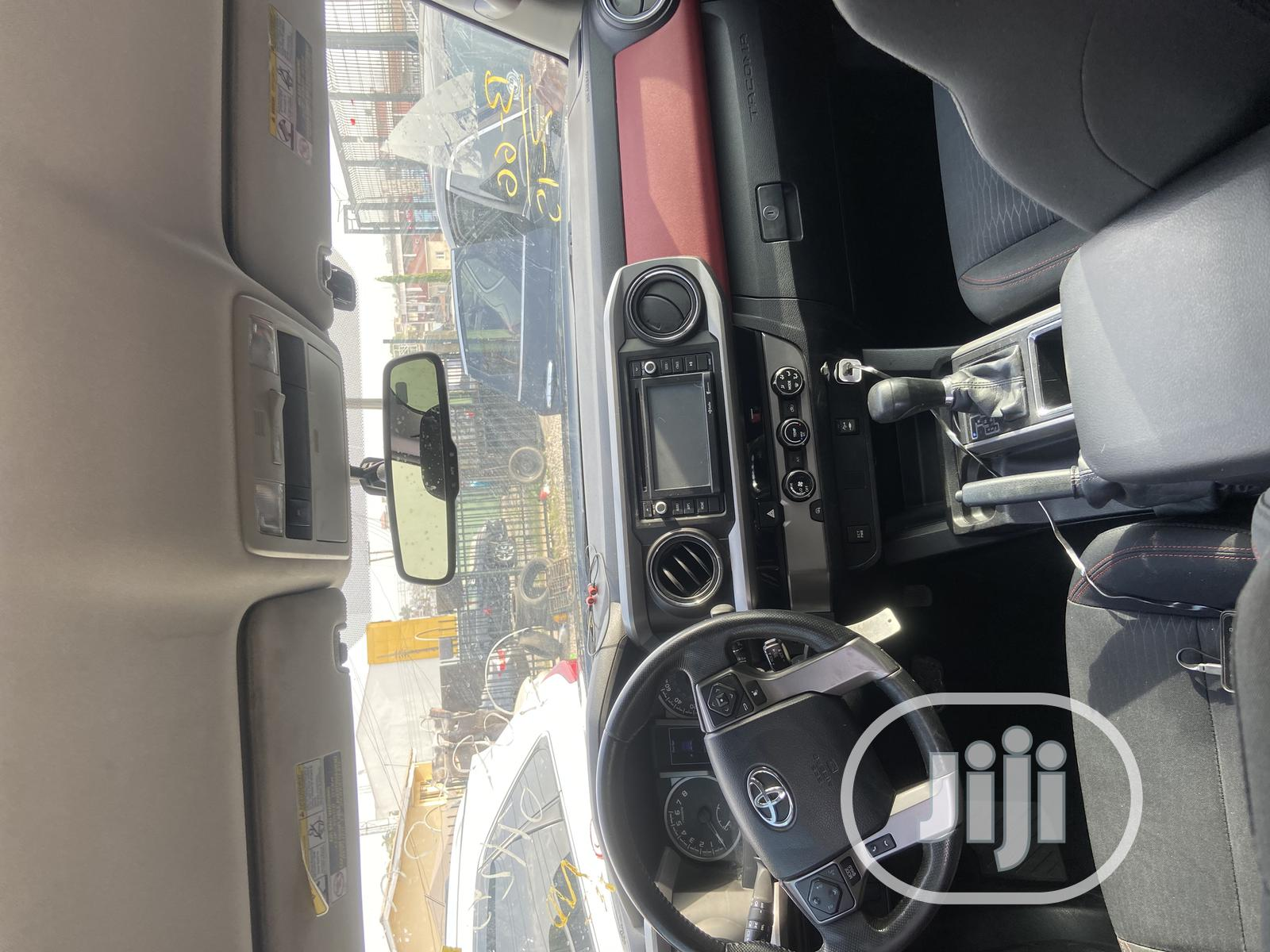 Toyota Tacoma 2016 4dr Double Cab Black | Cars for sale in Oluyole, Oyo State, Nigeria