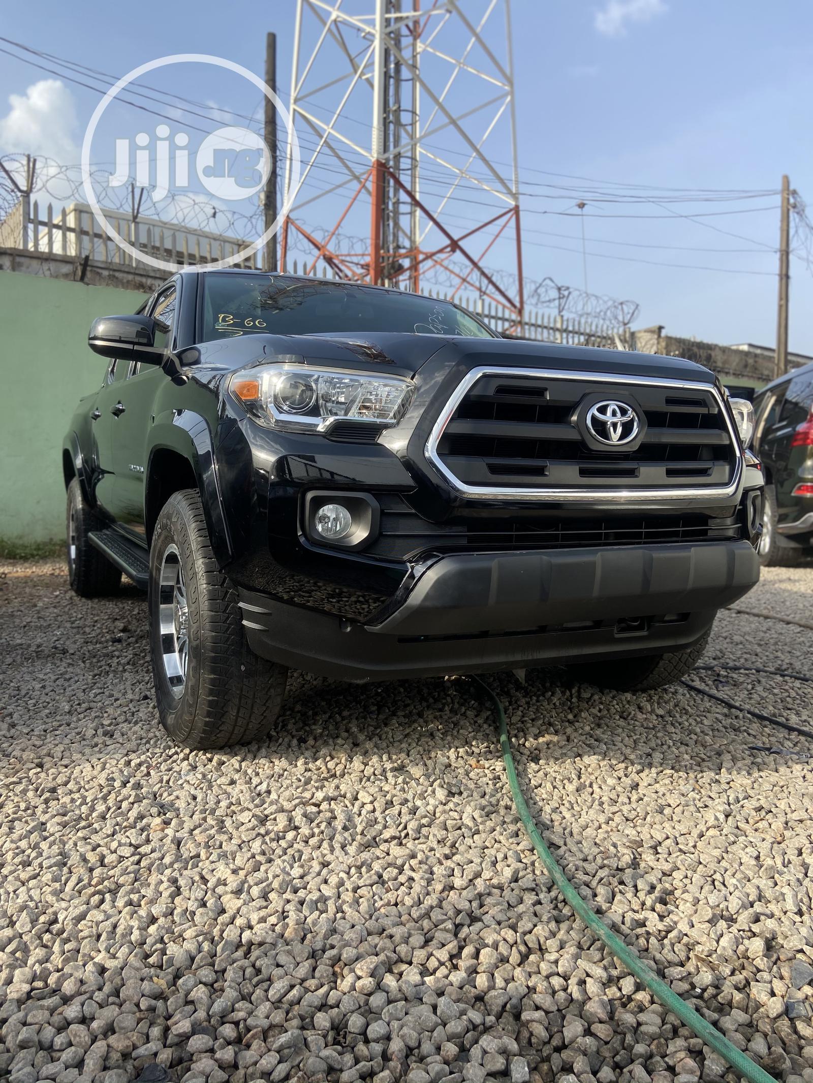 Toyota Tacoma 2016 4dr Double Cab Black