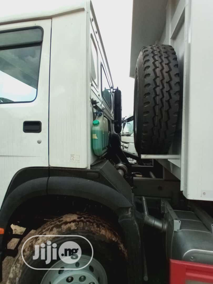 Tippers New Foreign and 9ja Used | Trucks & Trailers for sale in Alimosho, Lagos State, Nigeria