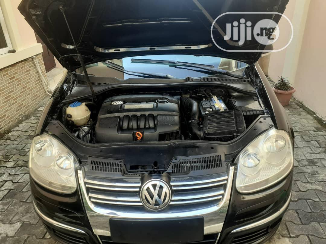 Archive: Volkswagen Jetta 2007 1.6 Automatic Black