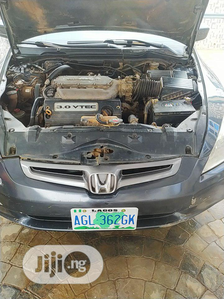 Archive: Honda Accord 2004 Gray