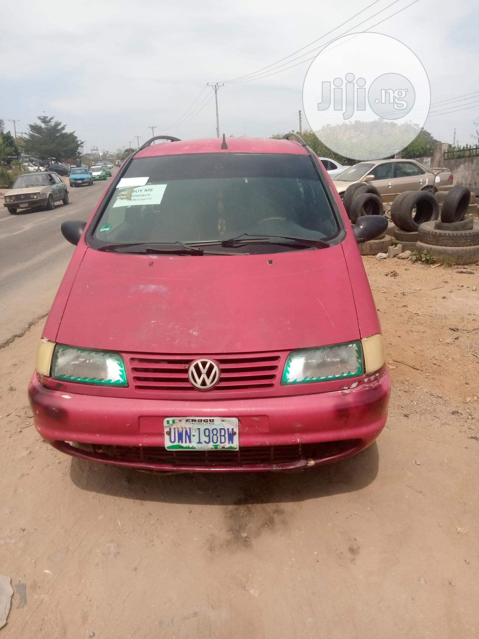 Archive: Volkswagen Sharan 2005 Red