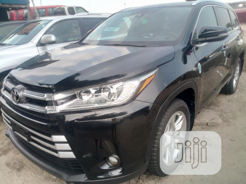 Archive: Toyota Highlander 2017 Black