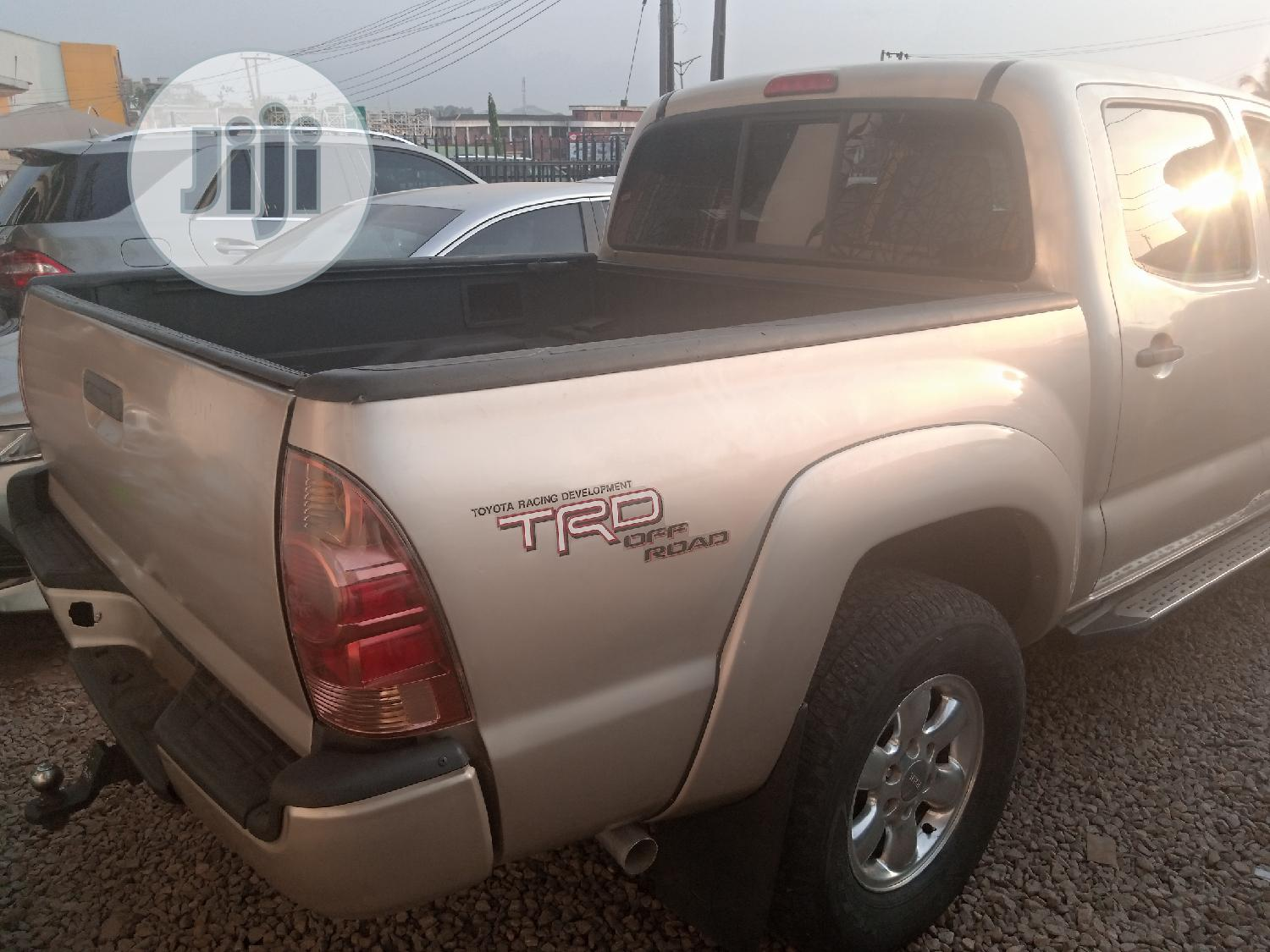 Toyota Tacoma 2005 Double Cab V6 4WD Gold   Cars for sale in Ibadan, Oyo State, Nigeria