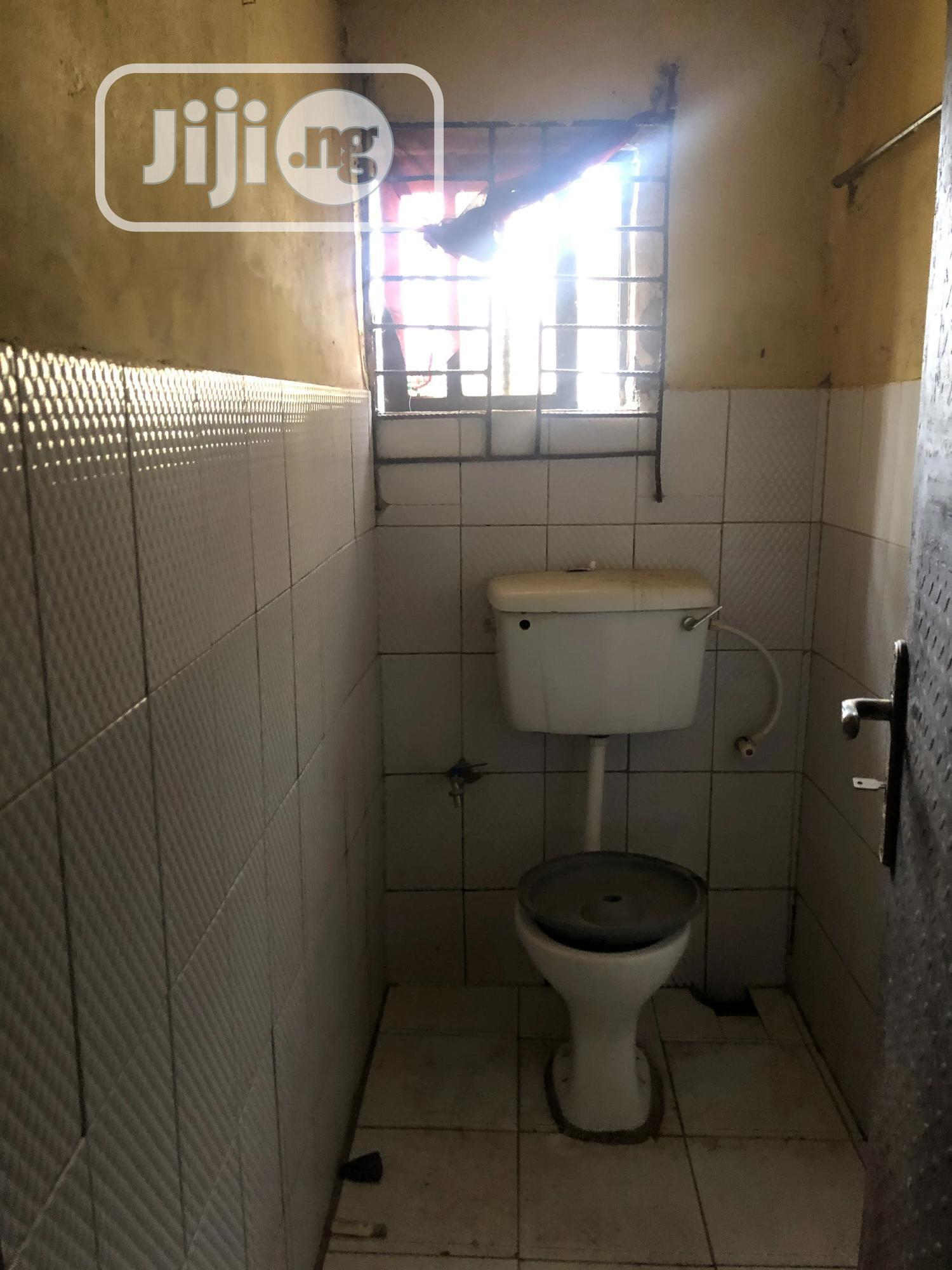 Good And Big Spacious Room And Palour For Rent   Houses & Apartments For Rent for sale in Zone 6 / Wuse, Wuse, Nigeria