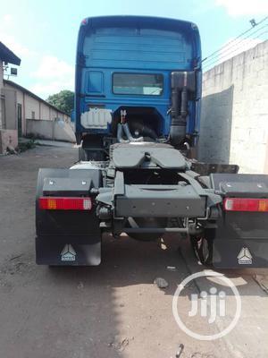 Howo Sinotruck 371hp Trailer Head Single Axle   Trucks & Trailers for sale in Lagos State, Ojodu