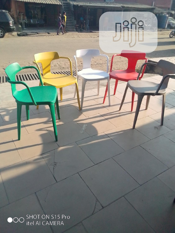 Good Quality Fibre Restaurant Chair.