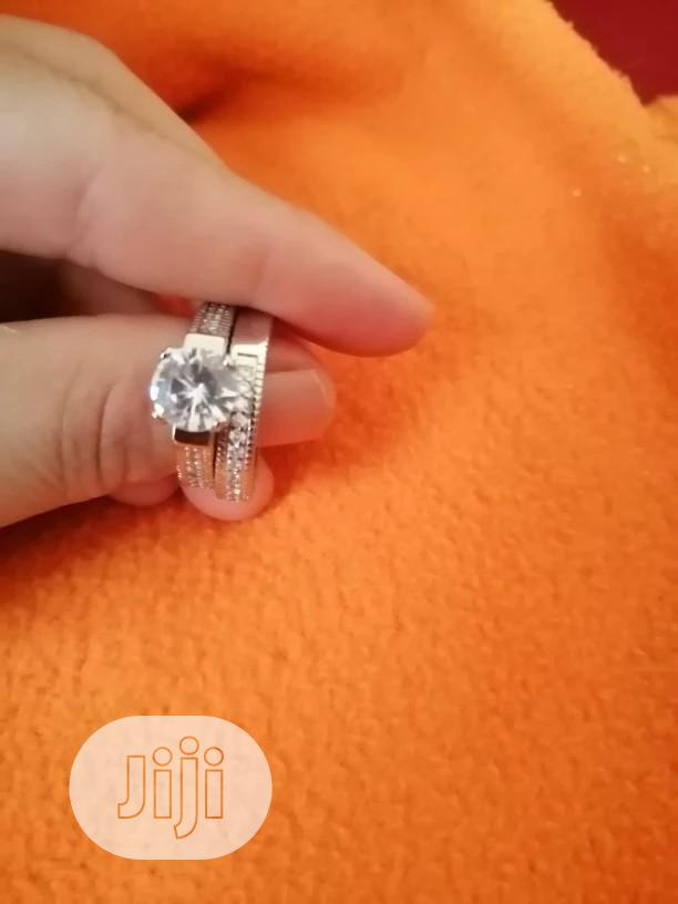 Archive: Female Crystal White Round Ring Set