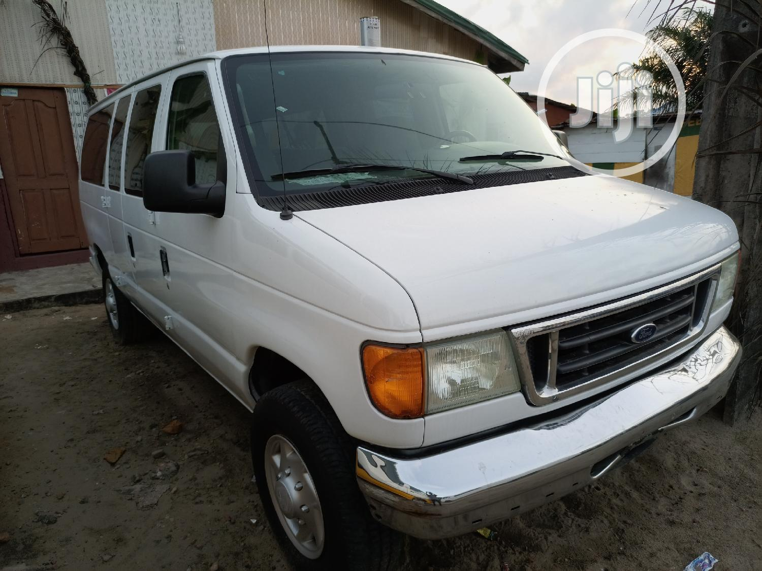 Super Clean Foreign Used Ford E350 Ecoline 2008 White
