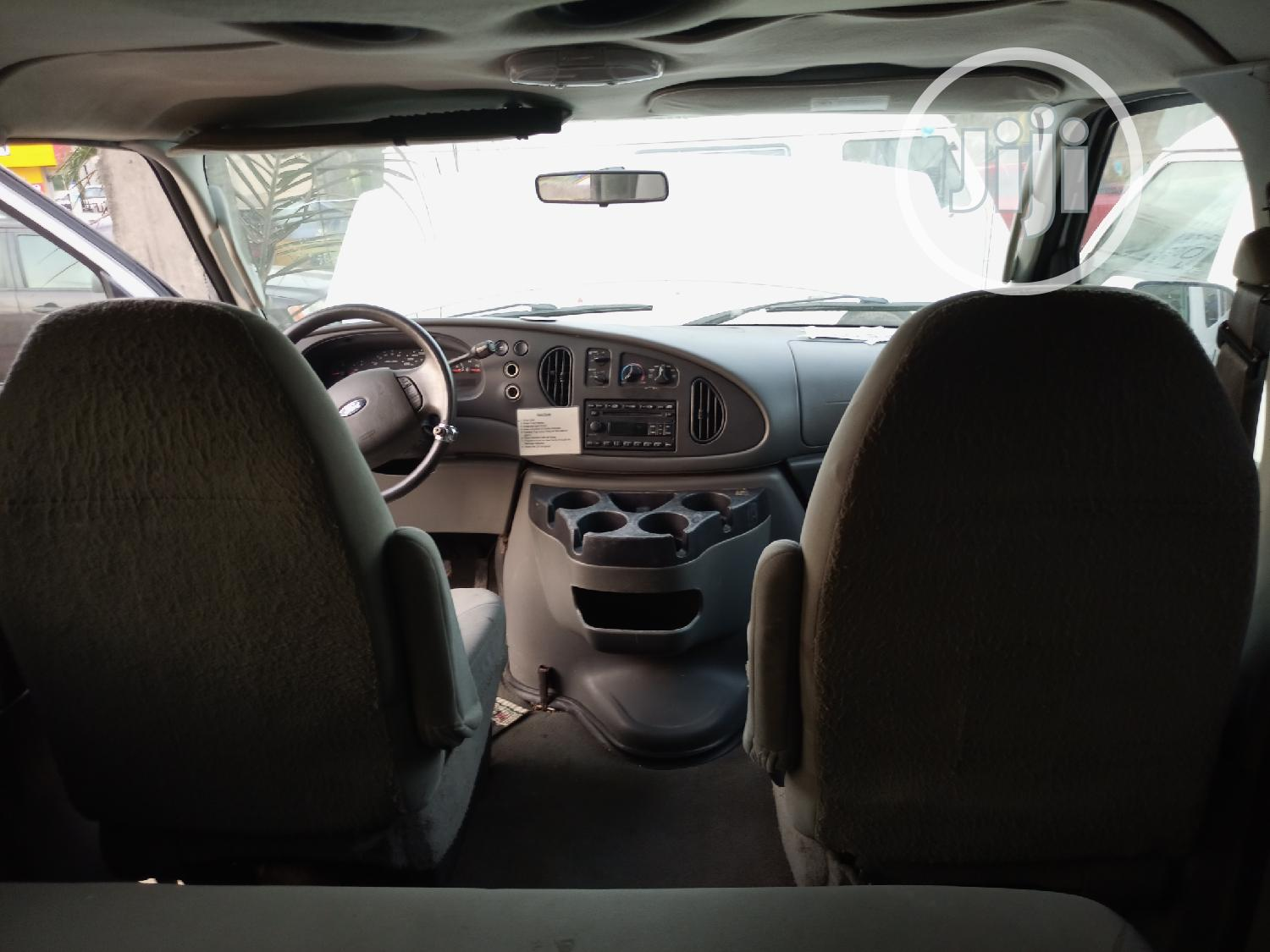 Super Clean Foreign Used Ford E350 Ecoline 2008 White | Buses & Microbuses for sale in Amuwo-Odofin, Lagos State, Nigeria